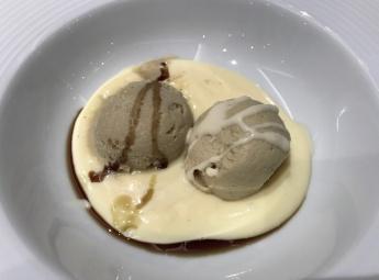 Sladoled i mousse od bučinog ulja s vanilijom (photo by SZ)