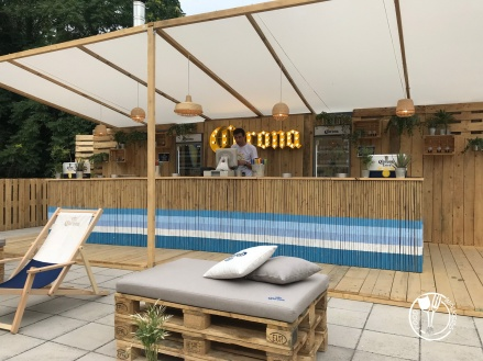 Corona Sunset Session pop-up bar (photo by SZ)